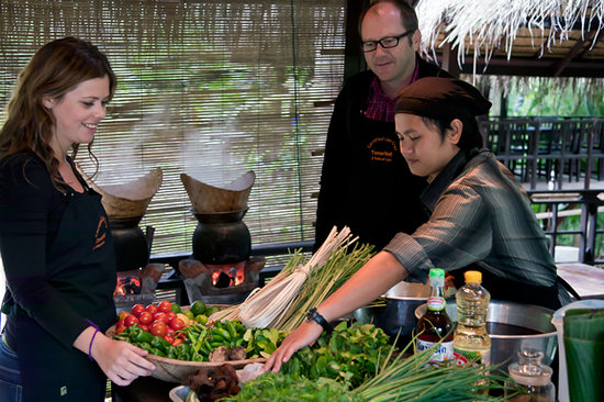Tamarind Cooking Courses: Teacher Joy explains Lao ingredients