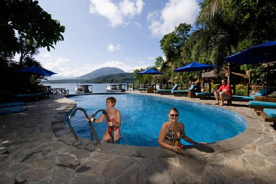 Lembeh Resort: Chilling in the Pool