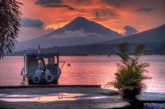 Lembeh Resort: Volcano Sunset