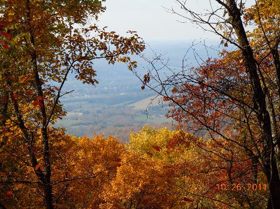 Cumberland Gap National Historical Park: Another viw from the trail