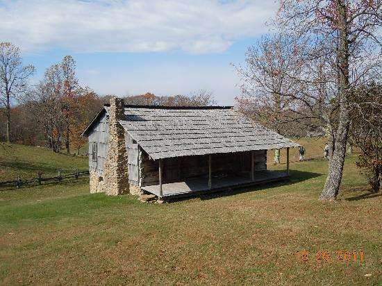 Beau Cumberland Gap National Historical Park: First Cabin We Came To.
