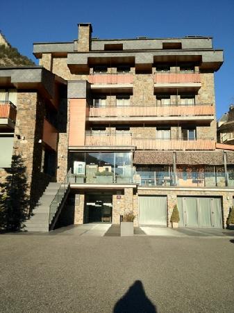 Hotel Palome: hôtel vu du parking