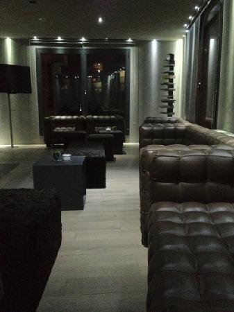 Hotel Palome: le salon côté bar