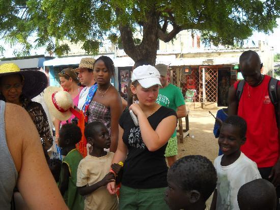 Le Saly Hotel: Carla 14 ans ;bouleversée par la pauvreté