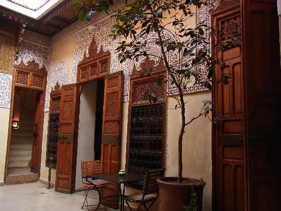 Riad Dar Zahia : hotel