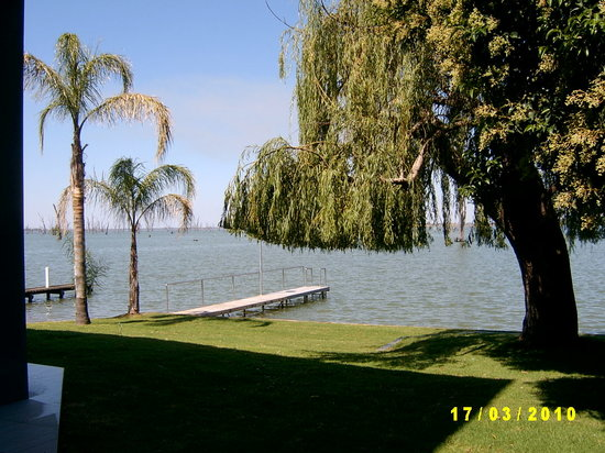 Maison de Papillon: Lake View from Patio