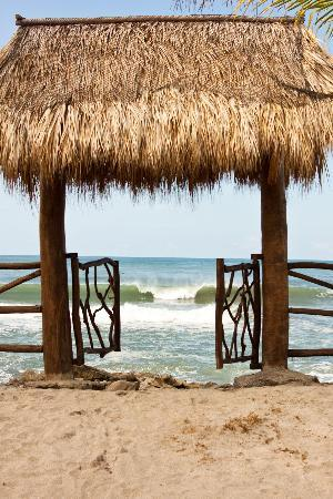 Buena Onda Beach Resort: Entrance to surfers paradies