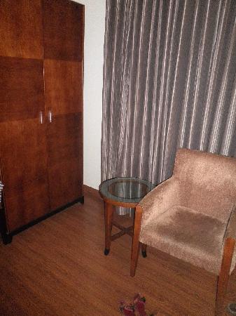 Alpina Hotels & Suites: Chambre