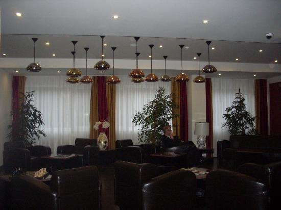 Resort POPPY: Eingangsbereich - Hotelhalle