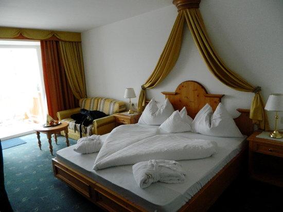 Small & Beautiful Hotel Gnaid: camera Granat