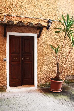 Monica e Alice B&B: Portone - Doorway