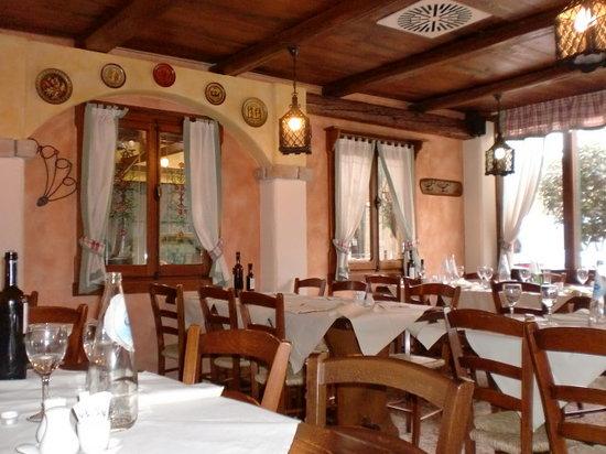 La Taverna: interno sala 2