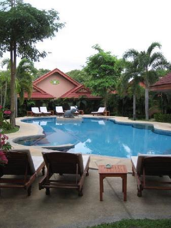 The Happy Elephant Resort: pool on property