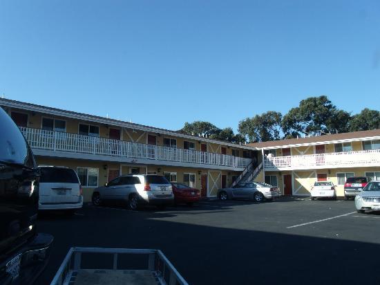 Seaside Inn Morro Bay: Parkplatz