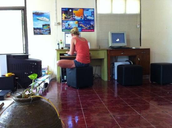 Monkey Samui Hostel: free good internet