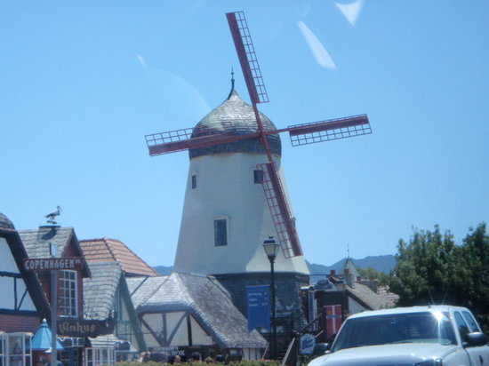 Santa Barbara & Solvang Tours - Saloon Car Tourist