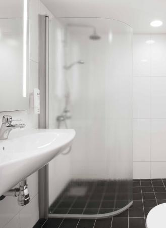 Scandic Jarva Krog: Bathroom