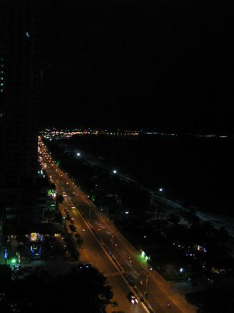 Nha Trang Lodge: night view from 11 floor