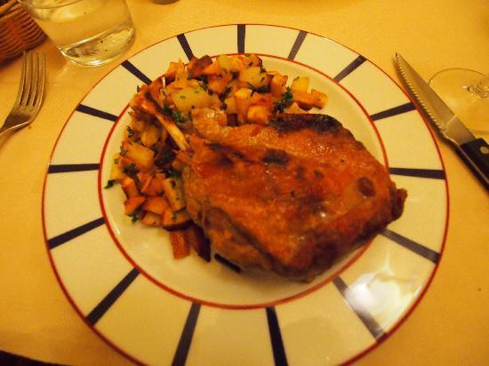 Au Bascou: 鶏のバスク風