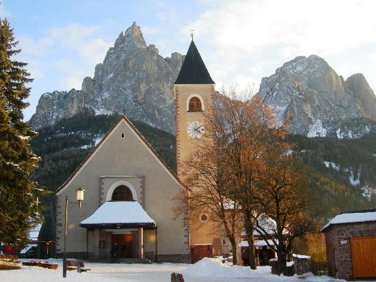 Wanderhotel Europa: Chiesetta di Siusi