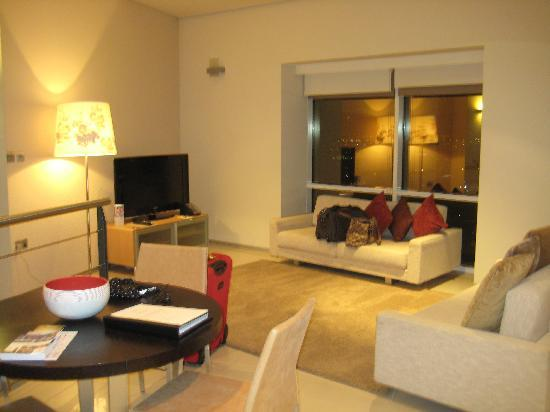 Toilit 2 picture of ascott park place dubai dubai for Living room ideas dubai