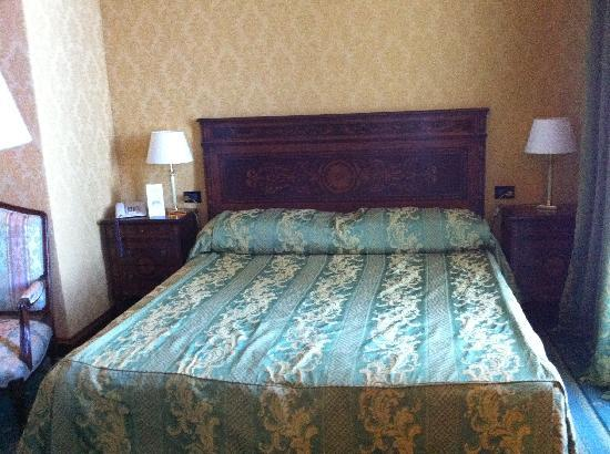 Lido Palace Hotel: ベッド