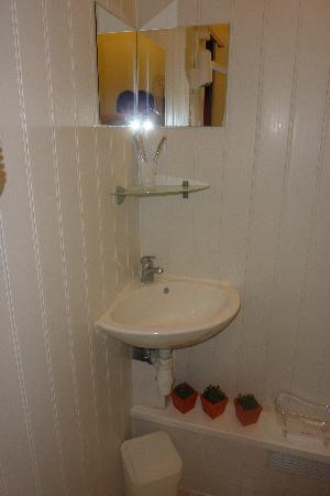 Hotel de Londres : notre salle de bains