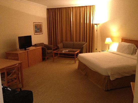 Swiss-Belhotel Sharjah: Bedroom