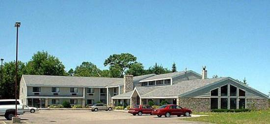 Elk River Lodge And Suites