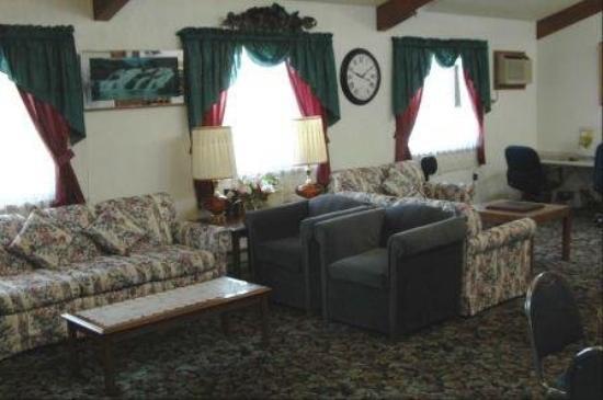 America's Best Inn - Stewartville: New Loby