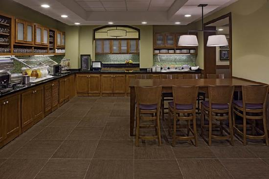 Hyatt Place Atlanta/Alpharetta/North Point Mall: Hyatt Place Guest Kitchen