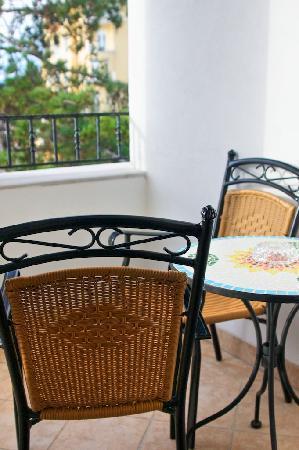 Hotel Miramar : Miramar: waterfront room loggia