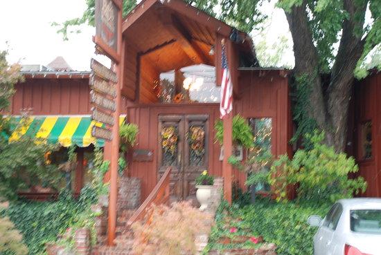 Patti's 1880's Settlement: Entrance to Patti's Porch