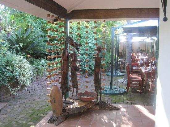 Tzaneen Country Lodge: Het buiten restaurant