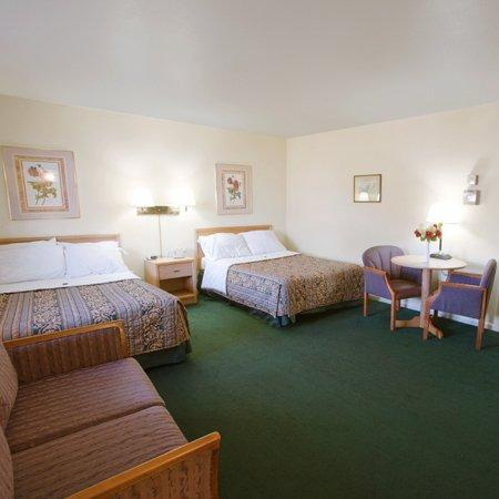 American Inn Sturgis: Americas Best Value Inn Sturgis MIBeds