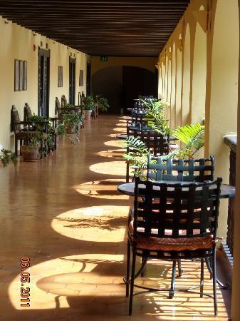 Hotel El Convento: hotel balcony