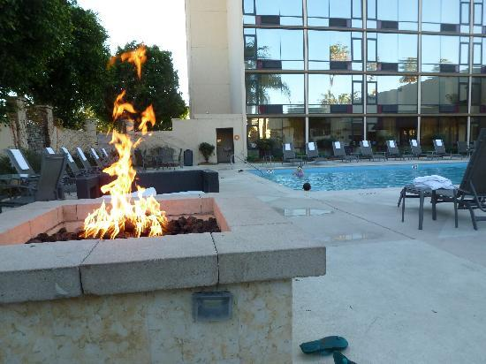 Red Lion Hotel Anaheim Resort Bathroom