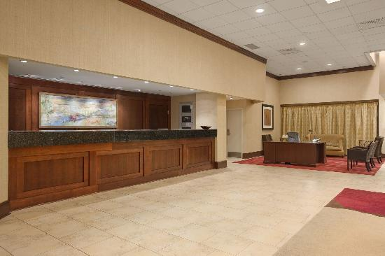 Hilton North Raleigh/Midtown: Hotel Lobby