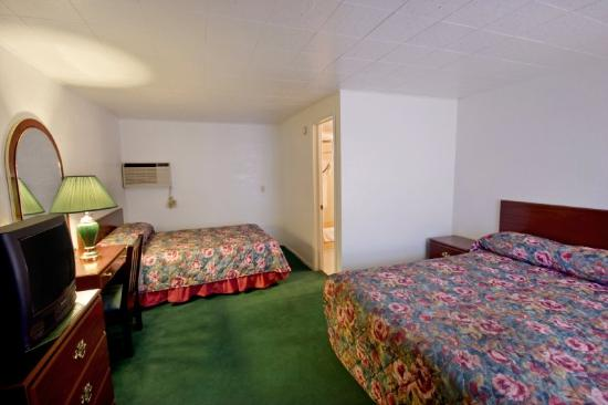 Kettle Falls, WA: Two Queen Room