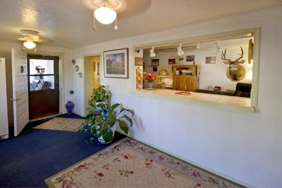 Best Value Inn Kettle Falls Image