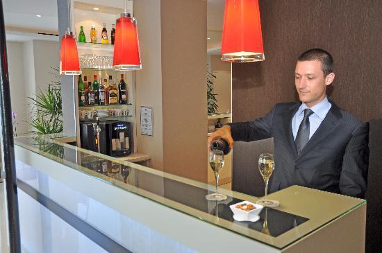 Eiffel Saint Charles: Hotel bar