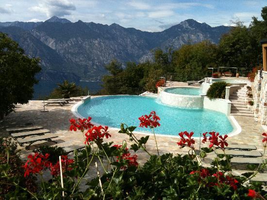 Locanda Montebaldo: Swimmingpool