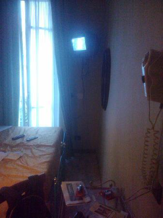 Hotel Imperial: Camera al matt., verso il balconcino