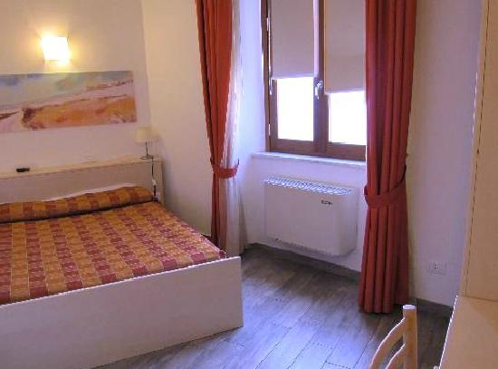 Bed and Breakfast Camollia: very spacious and clean