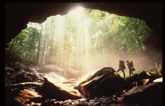 Tennessee : Virgin Falls in Sparta, TN