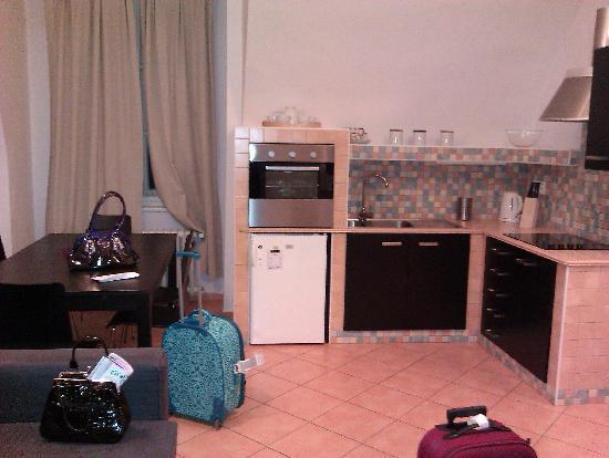 แฮปปี้ ปราก อพาร์ตเม้นท์: The kitchen area
