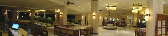 Holiday Inn Resort Goa: Hotel Lobby