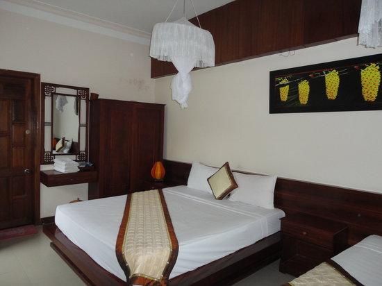 Orchid Garden Resort : Uncluttered, comfortable rooms