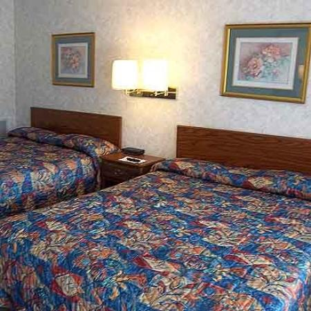 Knights Inn Cozad Lexington Area: Guest Room