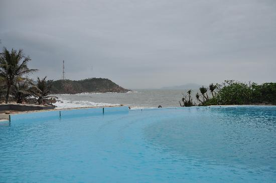 AVANI Quy Nhon Resort & Spa: Endless pool